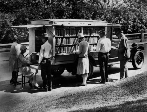 Libraries-on-wheels-Bookmobile-7-540x412